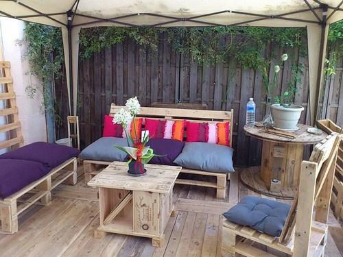 Độc đáo sofa sang từ pallet gỗ