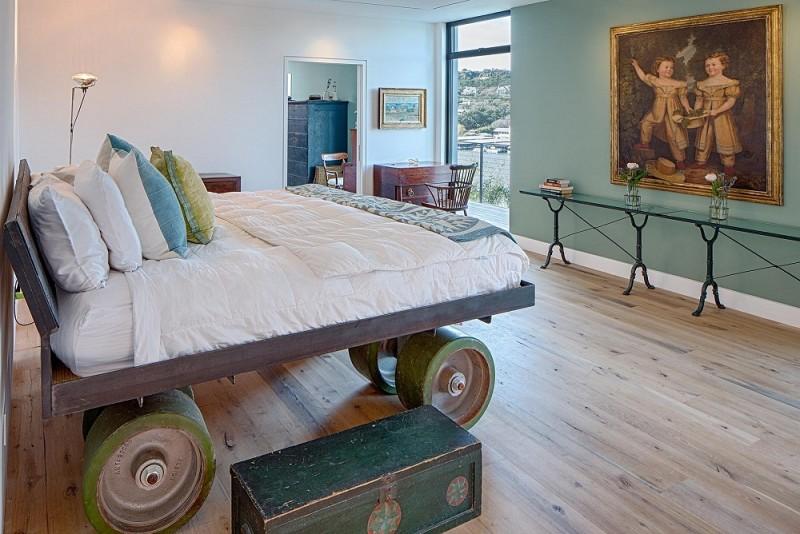 Những chiếc giường gắn bánh xe độc đáo