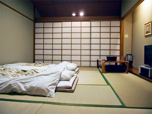 Tại sao người Nhật thích nằm ngủ trên sàn nhà?