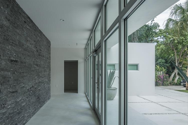 Ngôi nhà đẹp, hiện đại nhờ sử dụng đá hoa cương