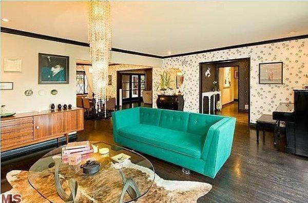 Phòng khách của Christina Ricci sang trọng và hiện đại
