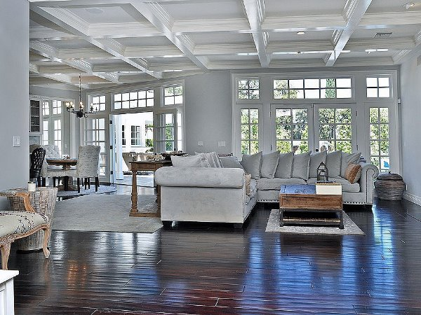 Phòng khách nhà Selena Gomez sang trọng và vô cùng hiện đại