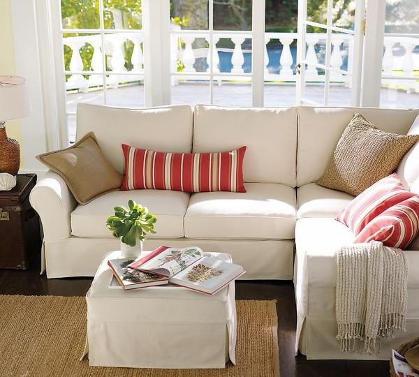 """Sofa và bàn cafe, gối ôm và thảm trải sàn """"tông xuyệt tông"""""""